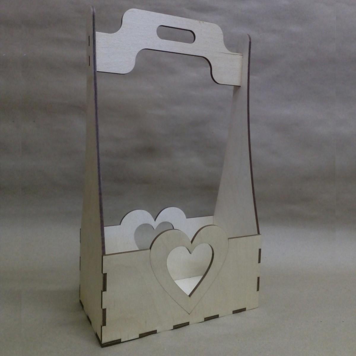 Ящик с сердцем